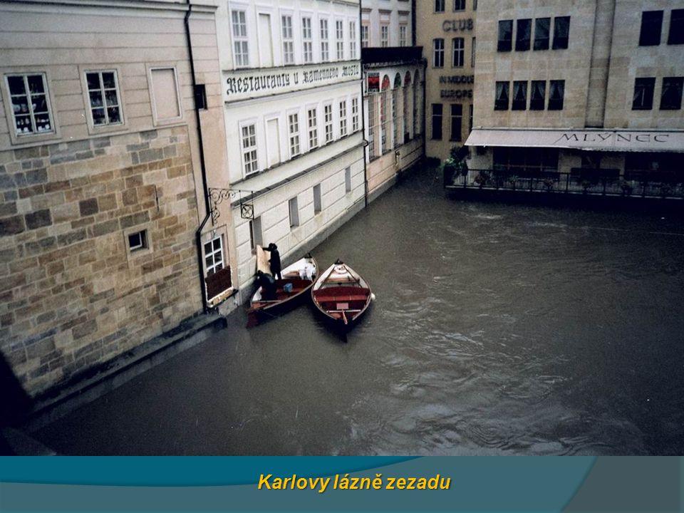 Karlovy lázně zezadu
