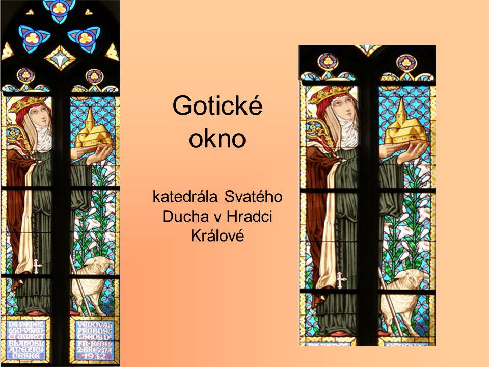 Gotické okno katedrála Svatého Ducha v Hradci Králové
