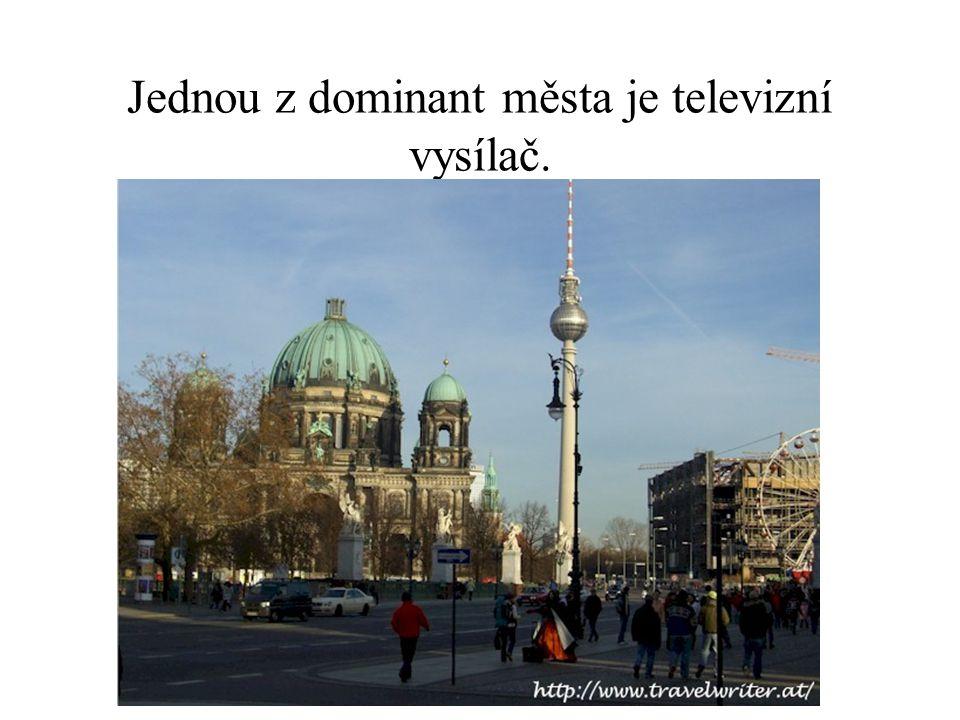 Jednou z dominant města je televizní vysílač.