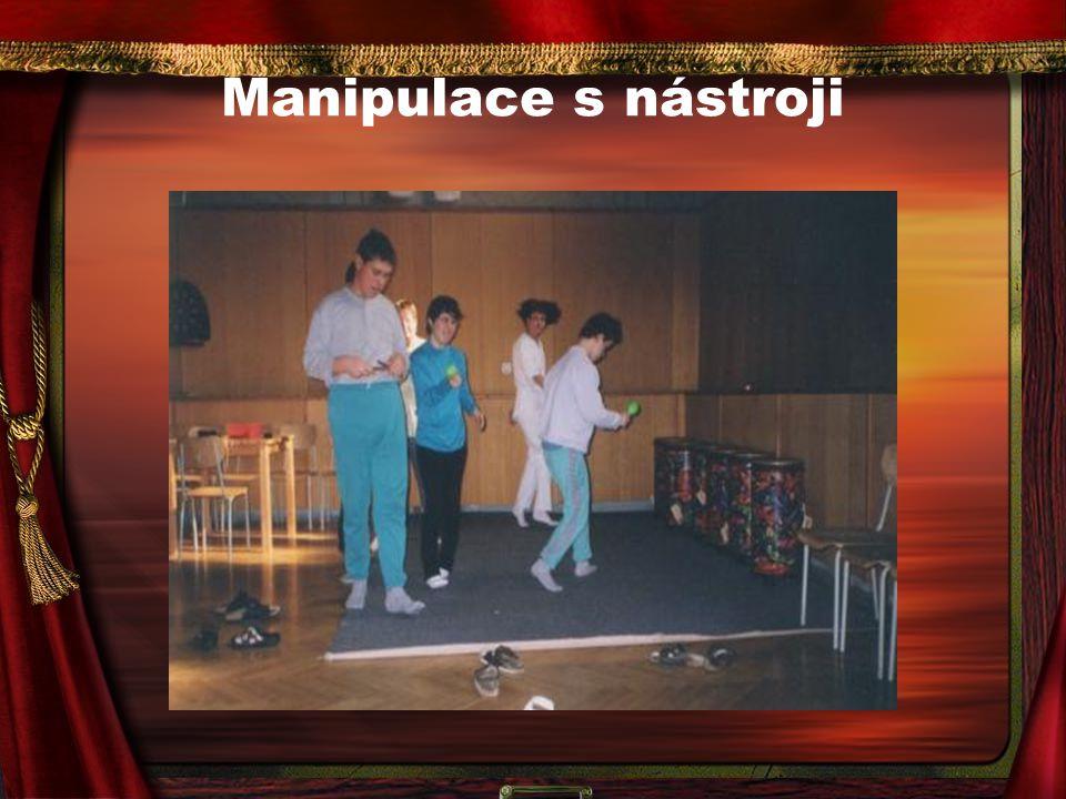 Manipulace s nástroji