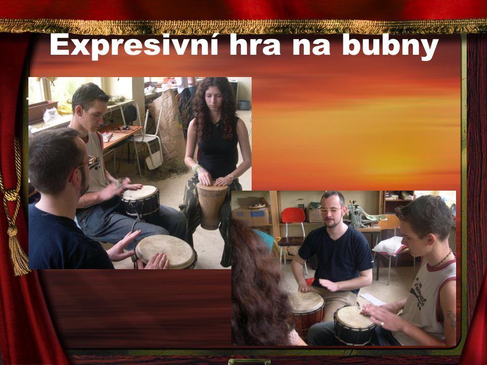 Expresivní hra na bubny
