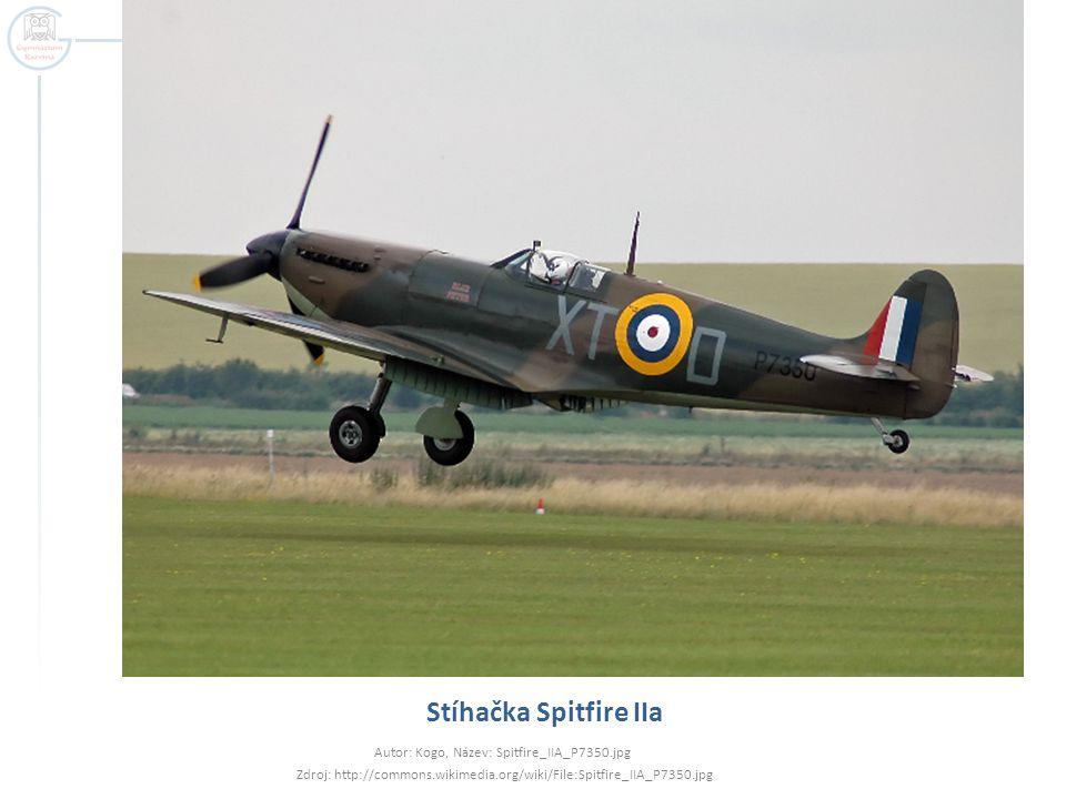 Stíhačka Spitfire IIa Autor: Kogo, Název: Spitfire_IIA_P7350.jpg