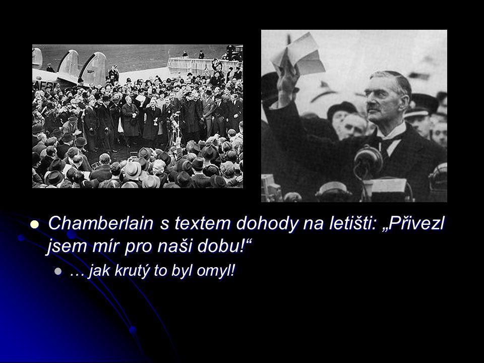 """Chamberlain s textem dohody na letišti: """"Přivezl jsem mír pro naši dobu!"""