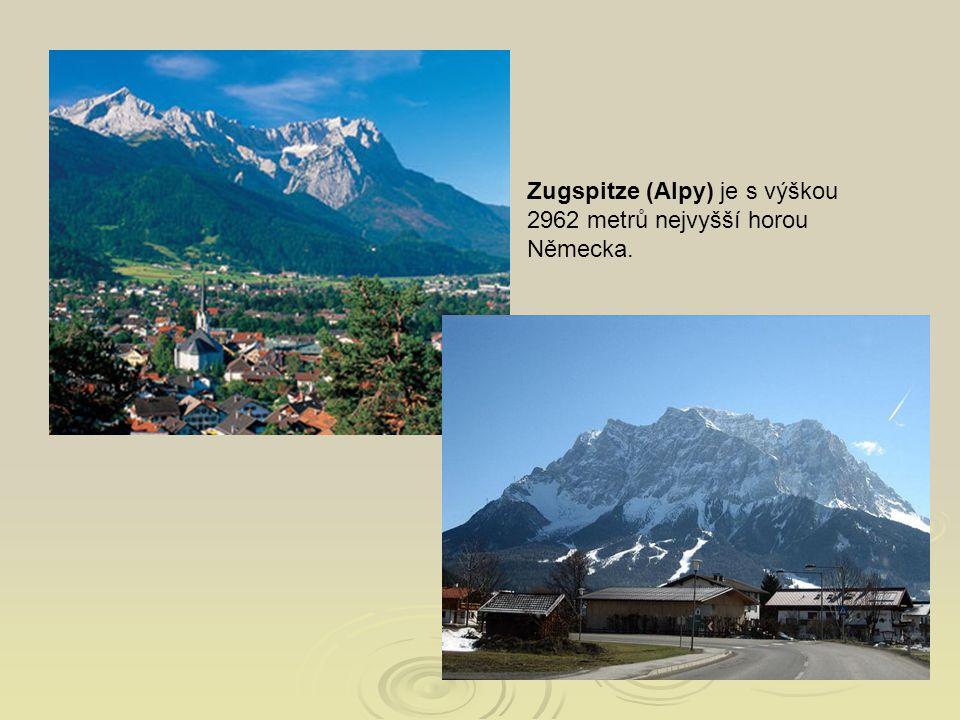 Zugspitze (Alpy) je s výškou 2962 metrů nejvyšší horou Německa.