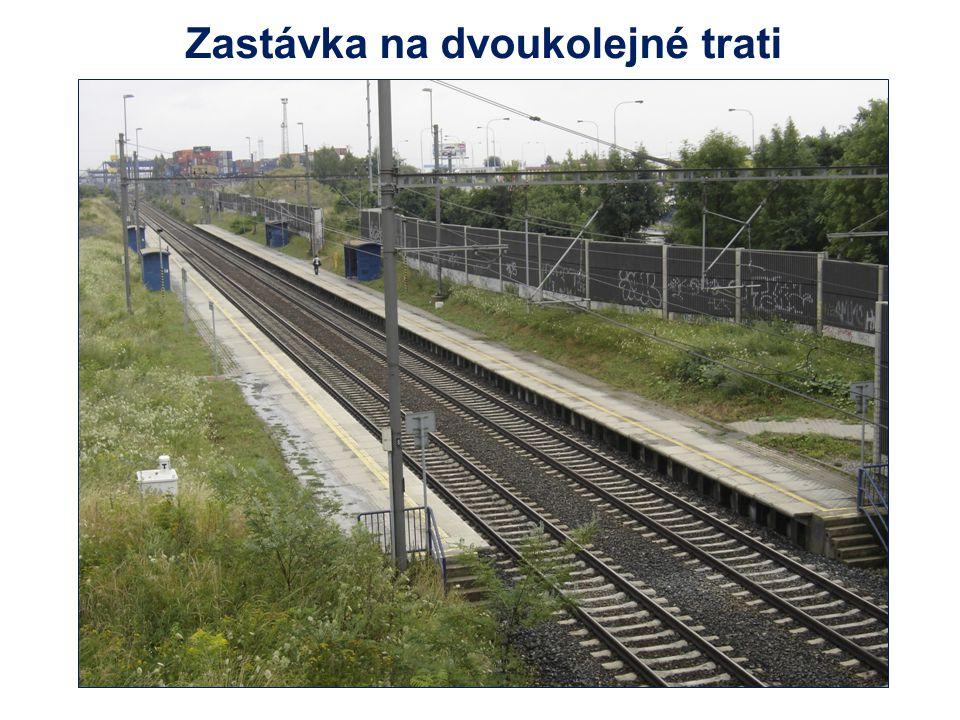 Zastávka na dvoukolejné trati