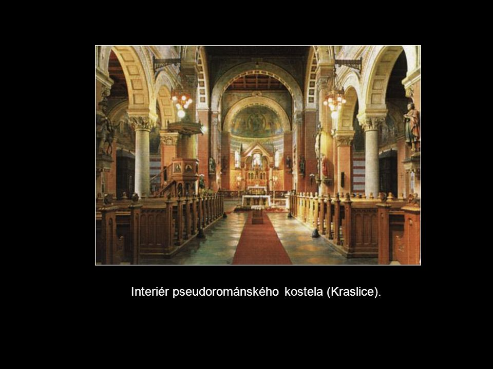 Interiér pseudorománského kostela (Kraslice).