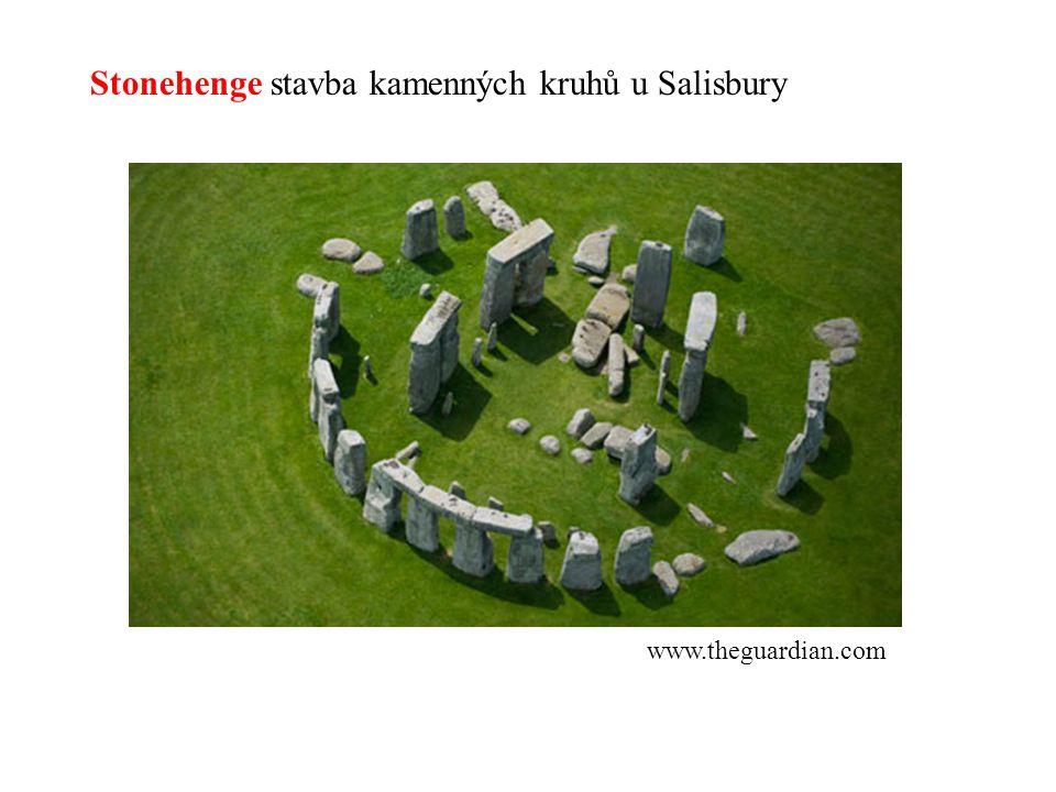 Stonehenge stavba kamenných kruhů u Salisbury