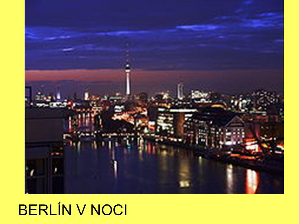 BERLÍN V NOCI
