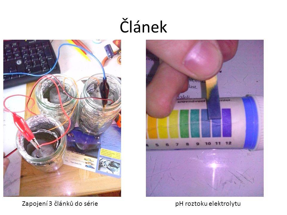 Článek Zapojení 3 článků do série pH roztoku elektrolytu