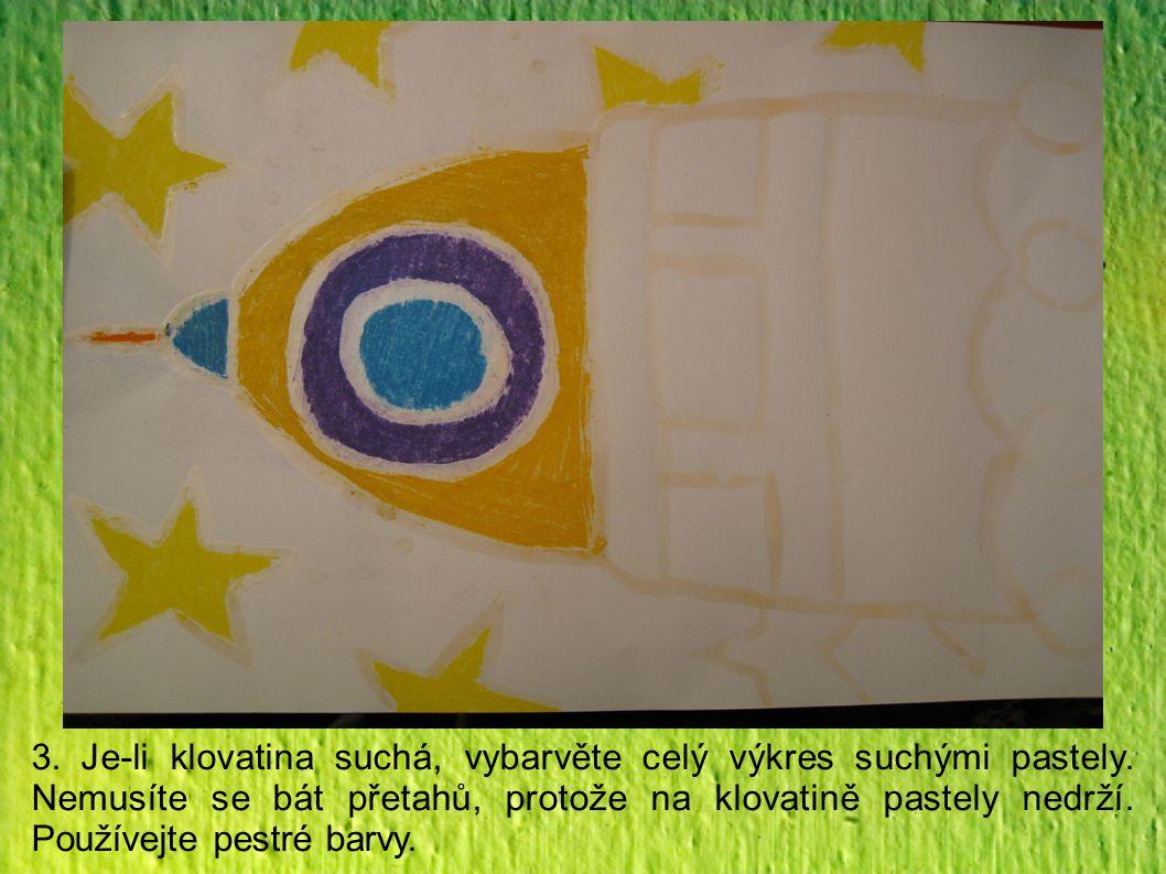 3. Je-li klovatina suchá, vybarvěte celý výkres suchými pastely