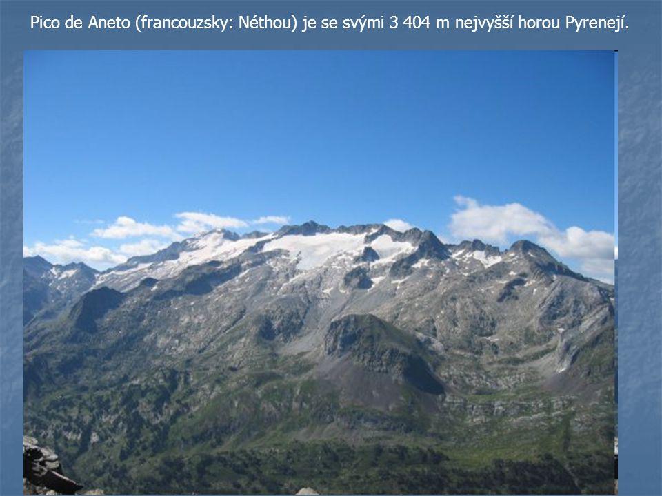 Pico de Aneto (francouzsky: Néthou) je se svými 3 404 m nejvyšší horou Pyrenejí.