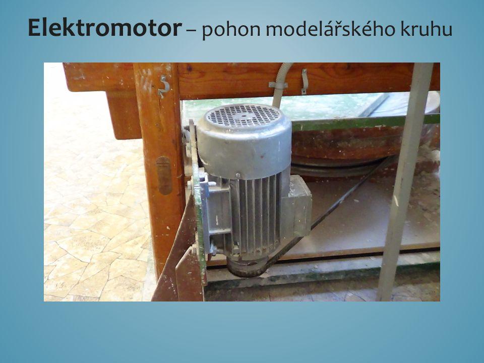 Elektromotor – pohon modelářského kruhu