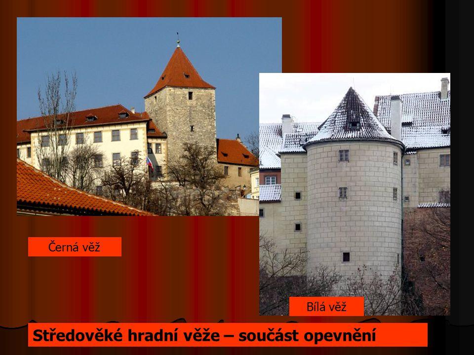 Středověké hradní věže – součást opevnění