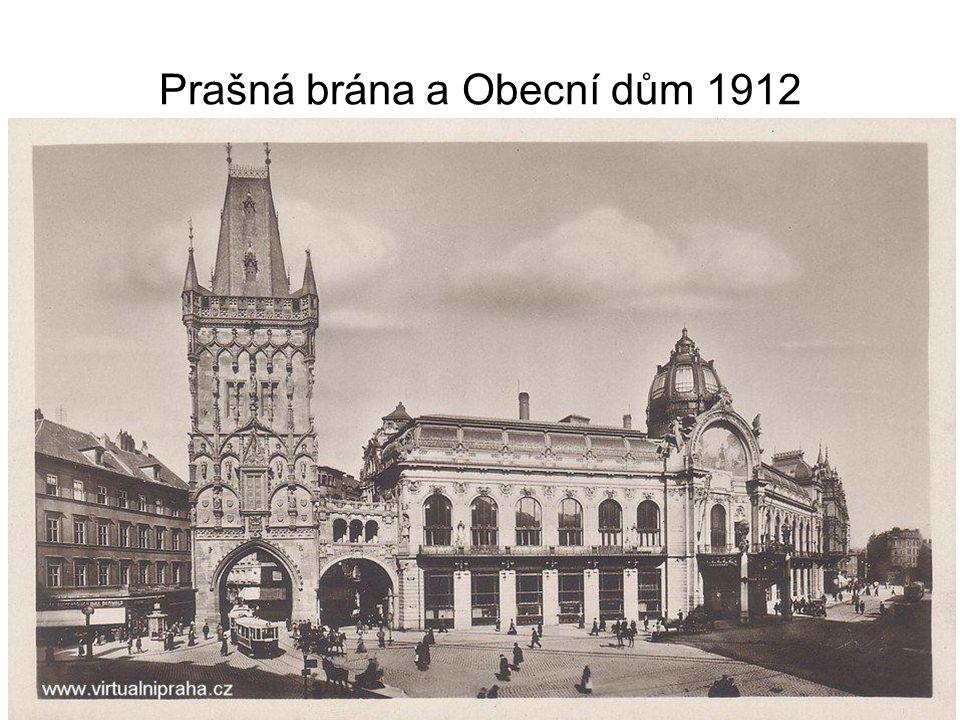 Prašná brána a Obecní dům 1912