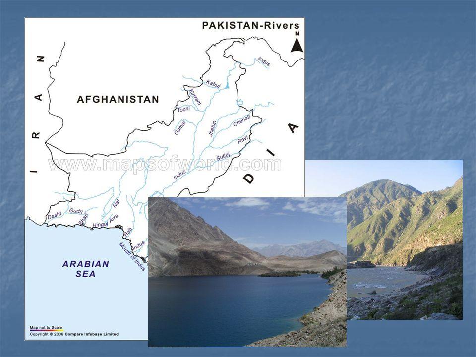 Vodstvo Moře: Arabské moře Řeky: Nejdelší řeka – Indus (3200 km)