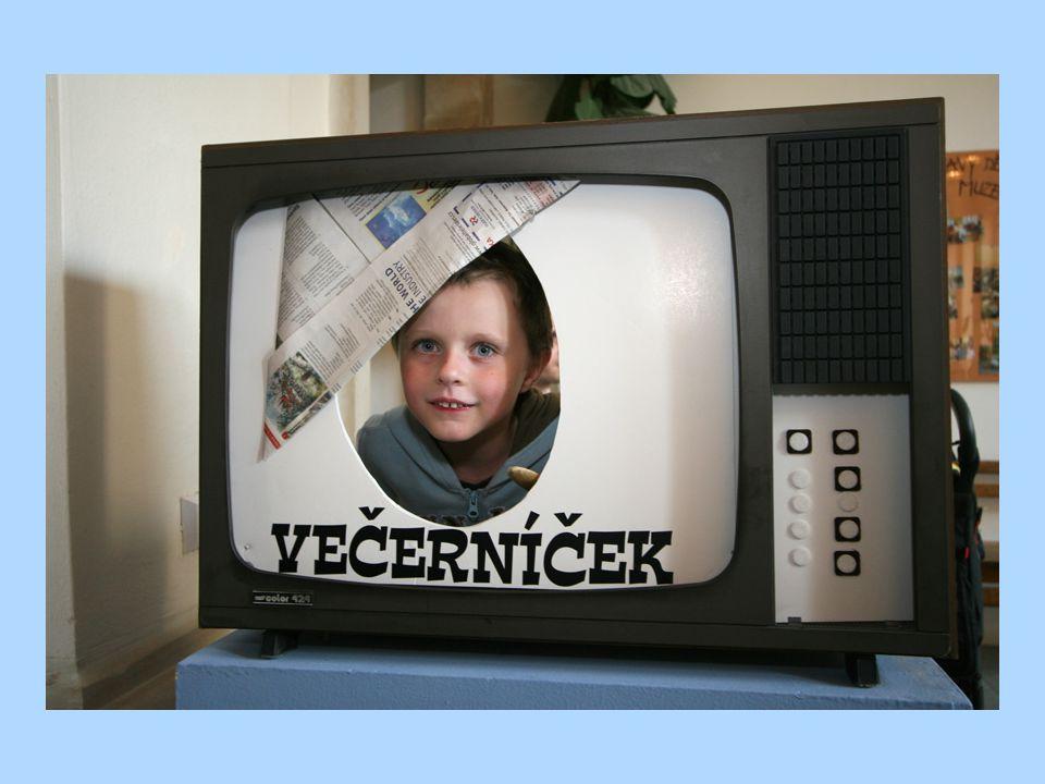 Ve staré televizi se děti mohly vyfotit jako Večerníček.