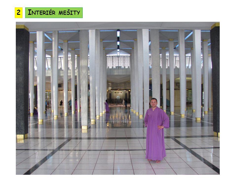 2 Interiér mešity