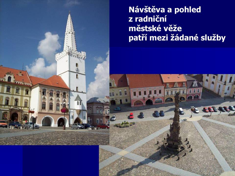Návštěva a pohled z radniční městské věže patří mezi žádané služby