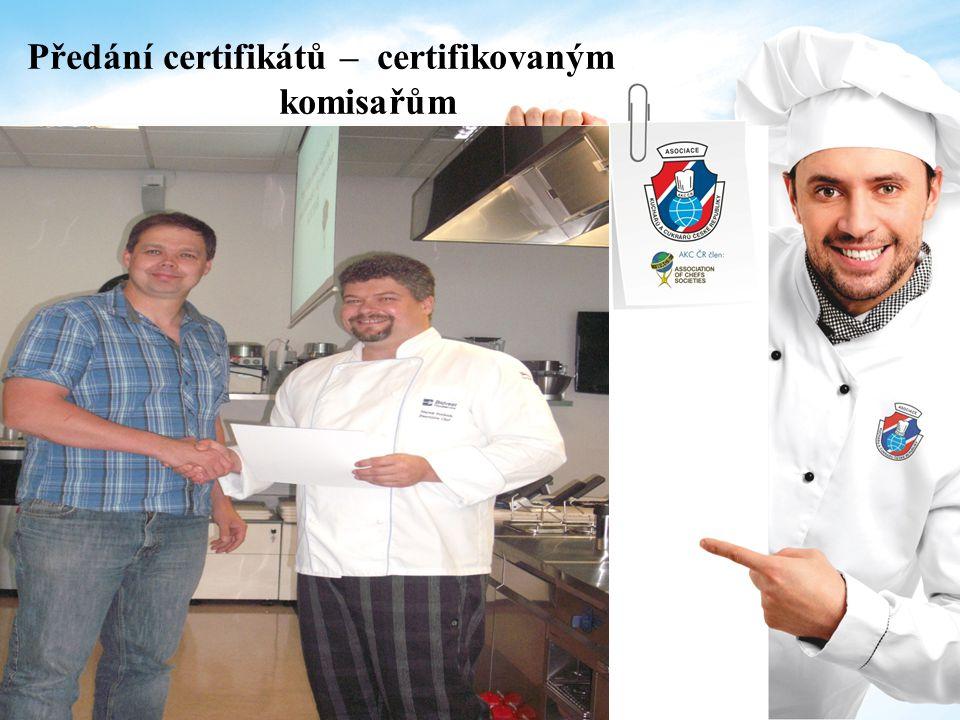 Předání certifikátů – certifikovaným komisařům