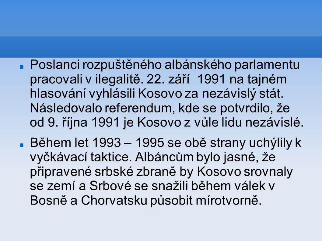 Poslanci rozpuštěného albánského parlamentu pracovali v ilegalitě. 22