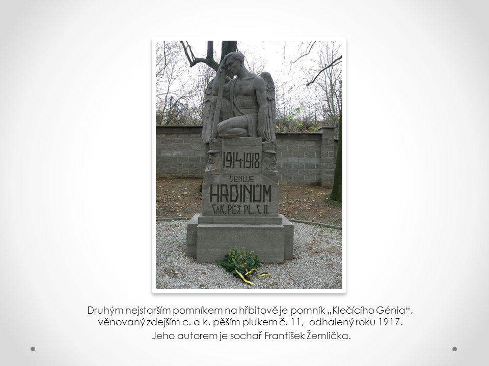 Jeho autorem je sochař František Žemlička.