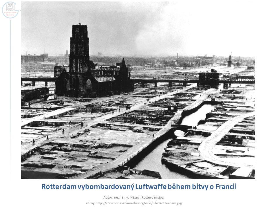 Rotterdam vybombardovaný Luftwaffe během bitvy o Francii
