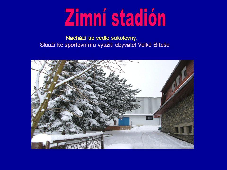 Zimní stadión Nachází se vedle sokolovny.