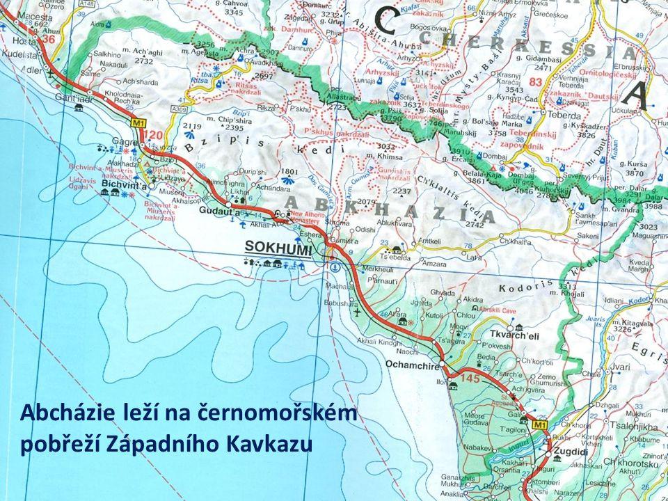 Abcházie leží na černomořském pobřeží Západního Kavkazu