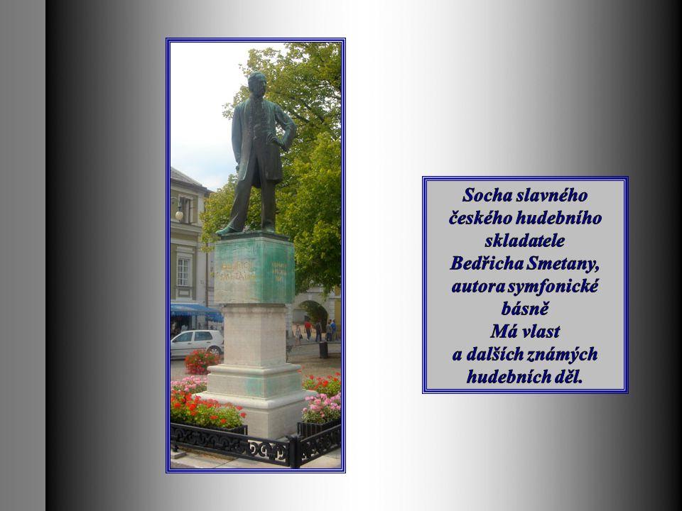 Socha slavného českého hudebního skladatele