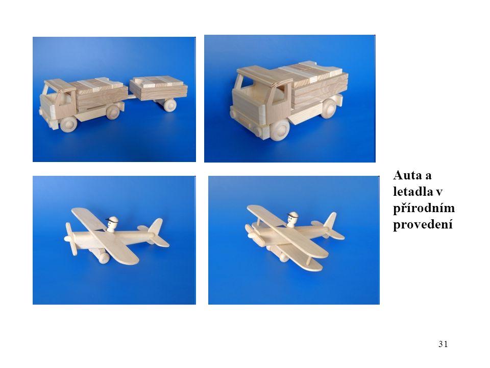 Auta a letadla v přírodním provedení