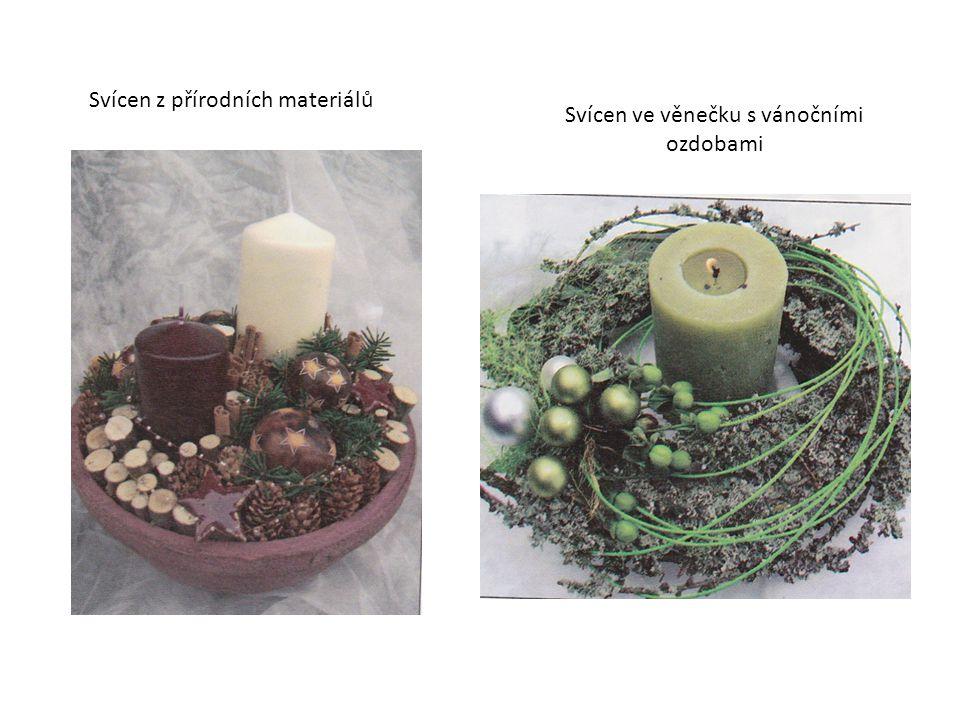 Svícen ve věnečku s vánočními ozdobami