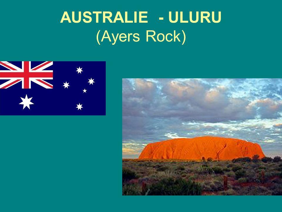 AUSTRALIE - ULURU (Ayers Rock)