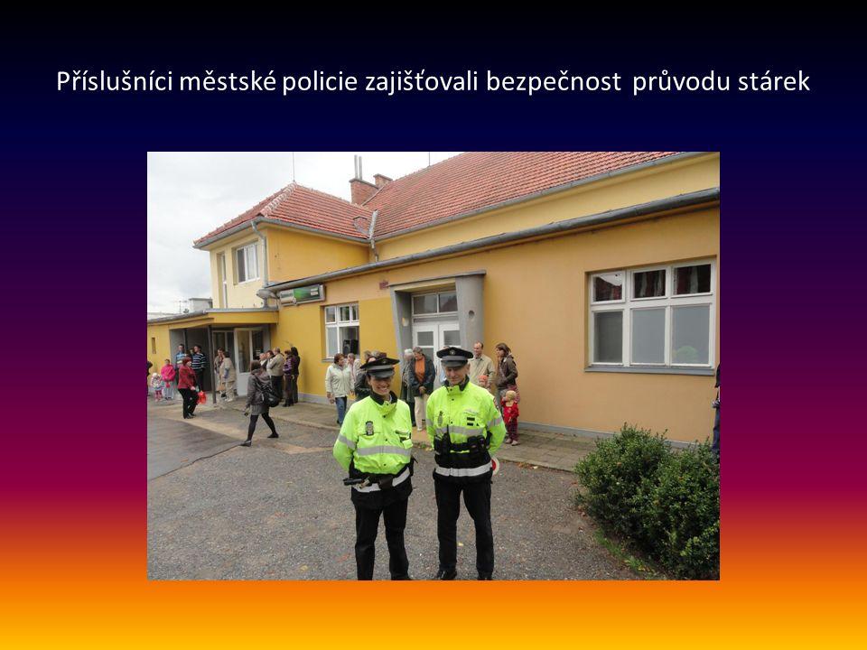 Příslušníci městské policie zajišťovali bezpečnost průvodu stárek
