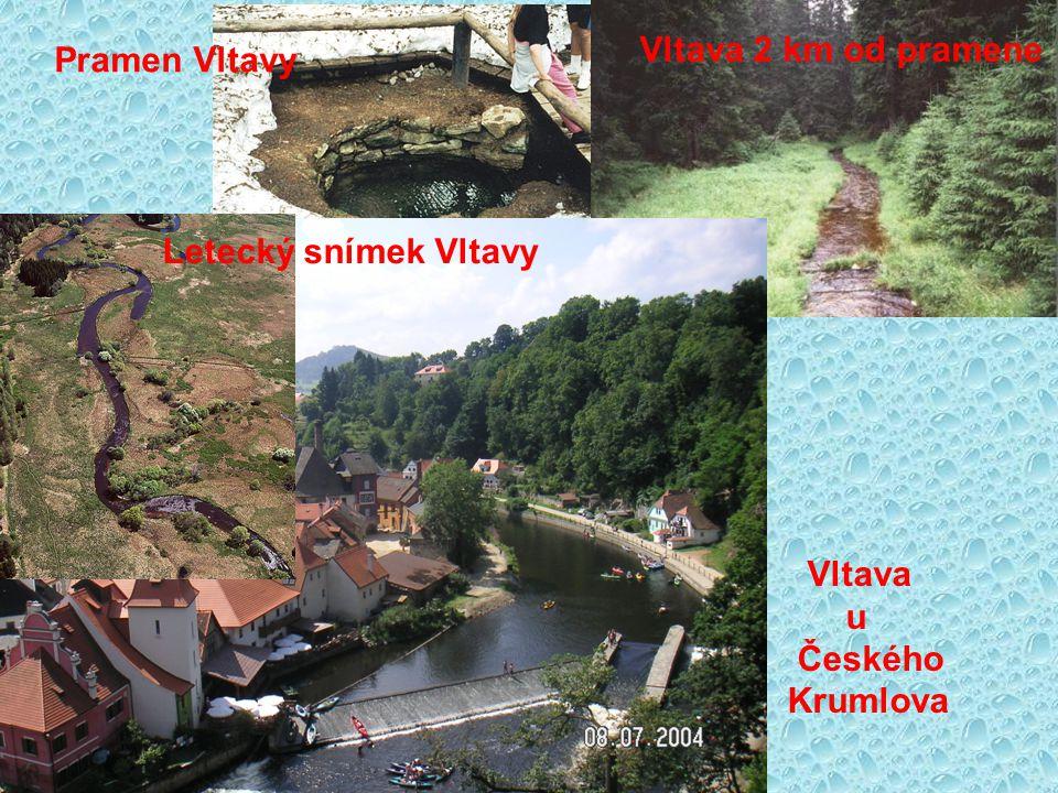 Vltava 2 km od pramene Pramen Vltavy Letecký snímek Vltavy Vltava u Českého Krumlova