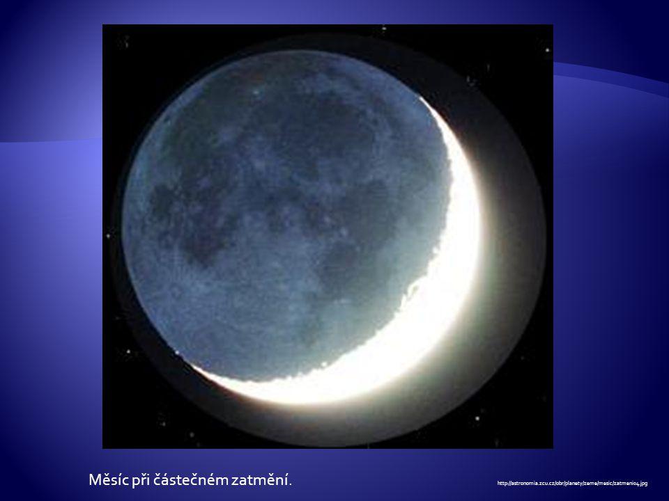 Měsíc při částečném zatmění. http://astronomia. zcu