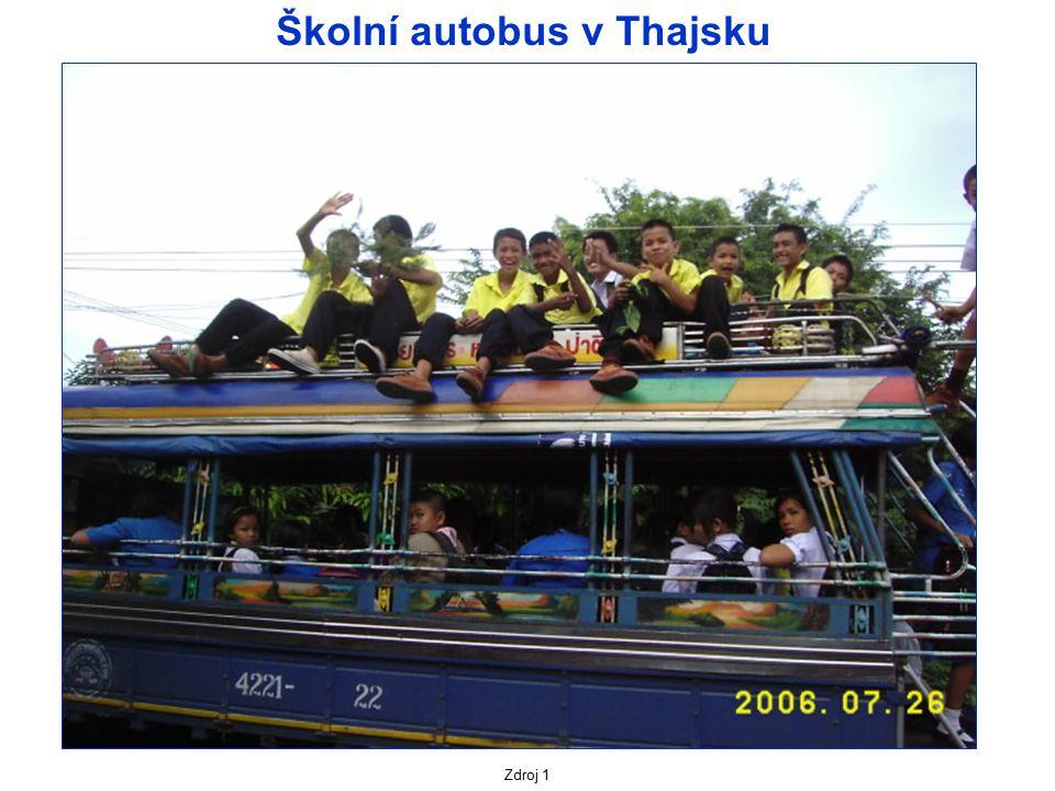 Školní autobus v Thajsku