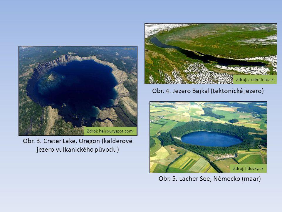 Obr. 3. Crater Lake, Oregon (kalderové jezero vulkanického původu)