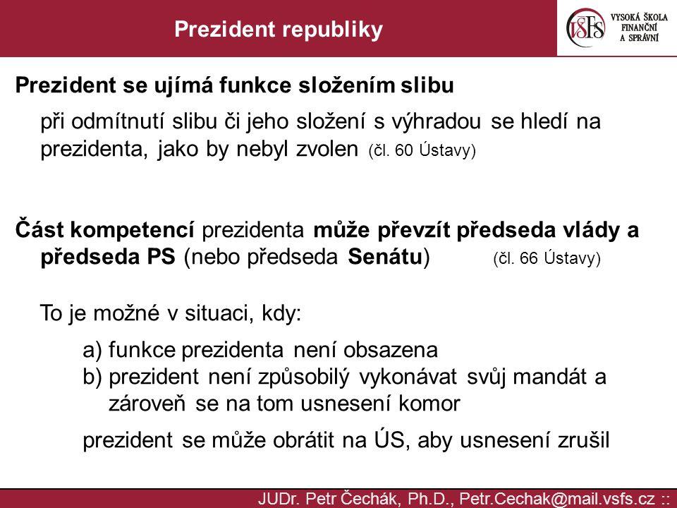 Prezident se ujímá funkce složením slibu