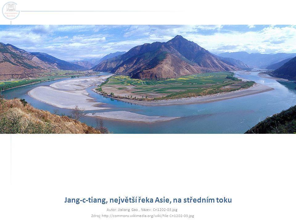 Jang-c-tiang, největší řeka Asie, na středním toku