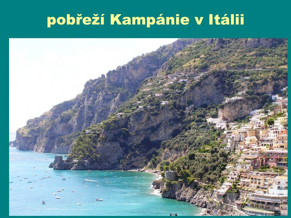 pobřeží Kampánie v Itálii
