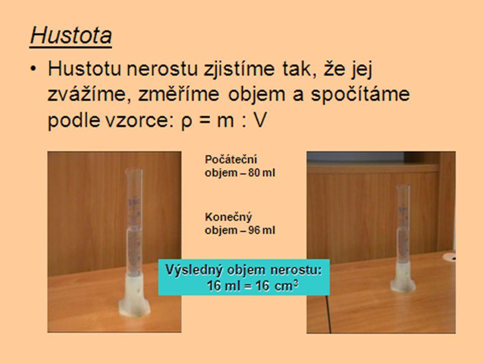 Výsledný objem nerostu: 16 ml = 16 cm3
