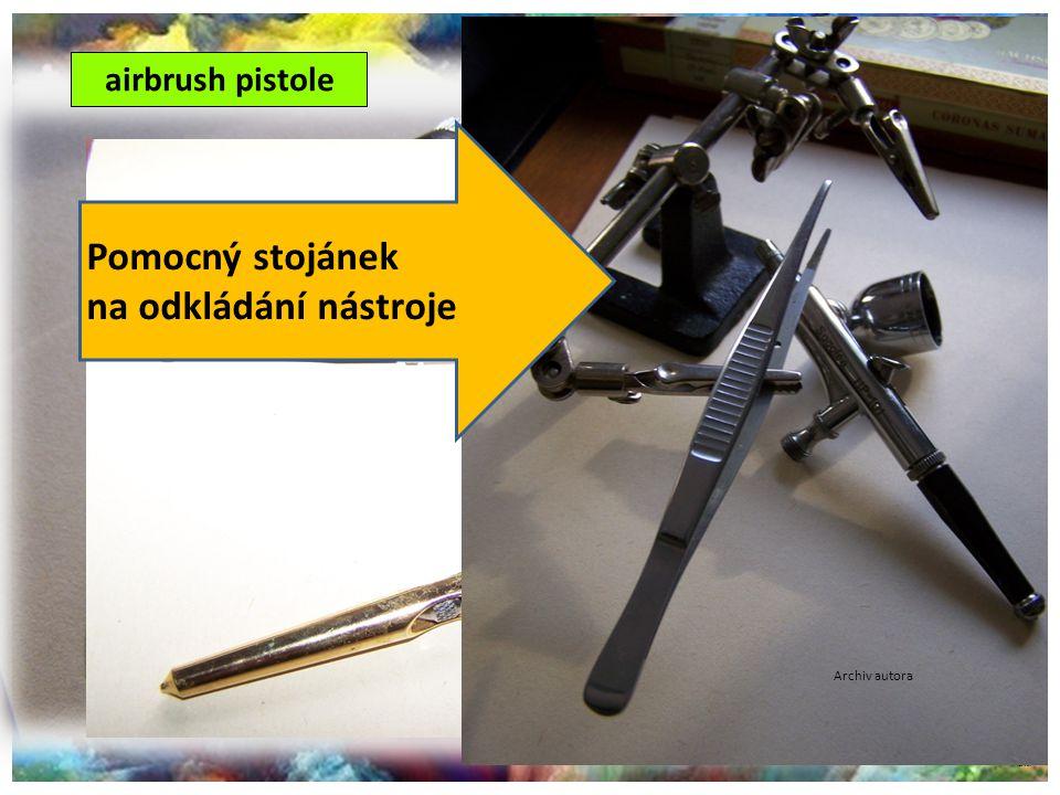 Pomocný stojánek na odkládání nástroje airbrush pistole