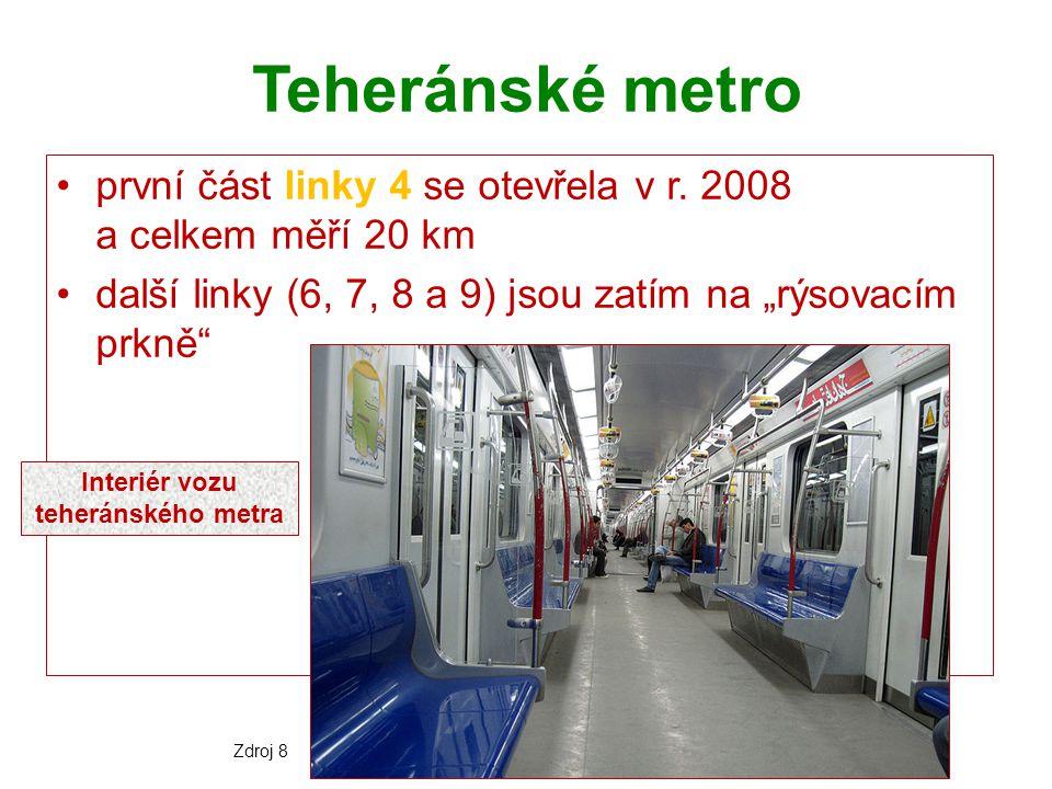 Interiér vozu teheránského metra