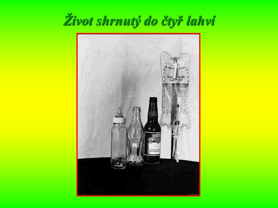 Život shrnutý do čtyř lahví