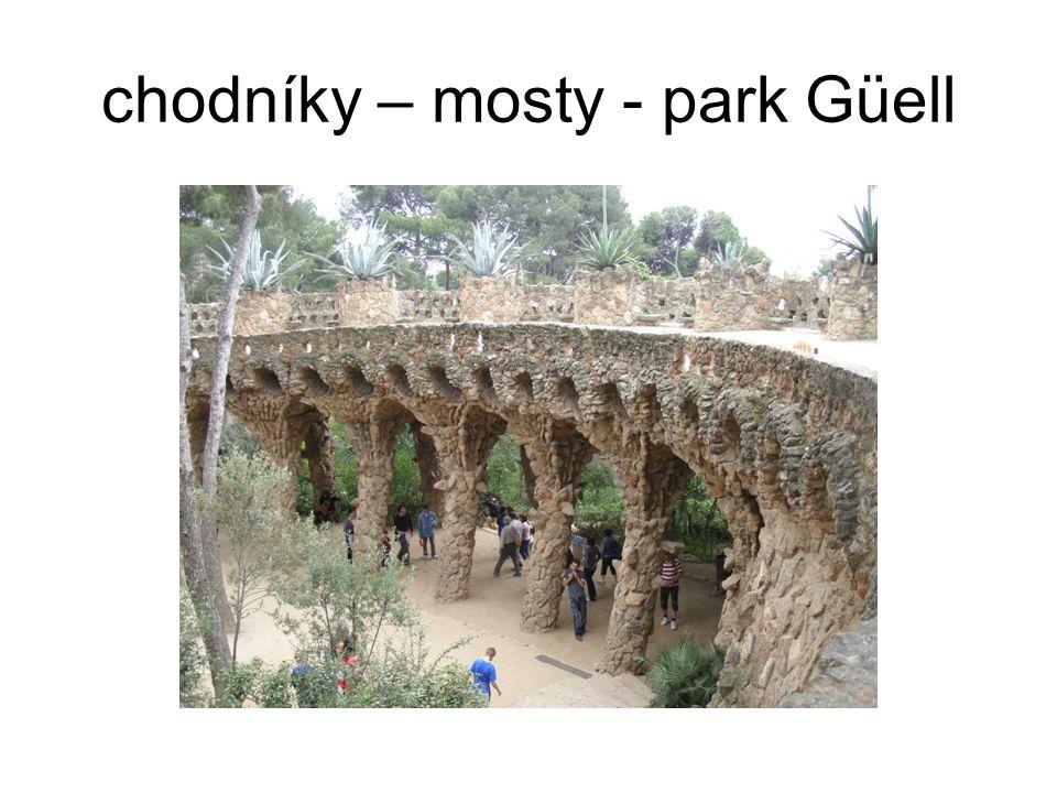 chodníky – mosty - park Güell