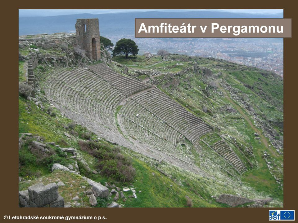 Amfiteátr v Pergamonu Amfiteátr v Pergamonu (dn. Bergama)