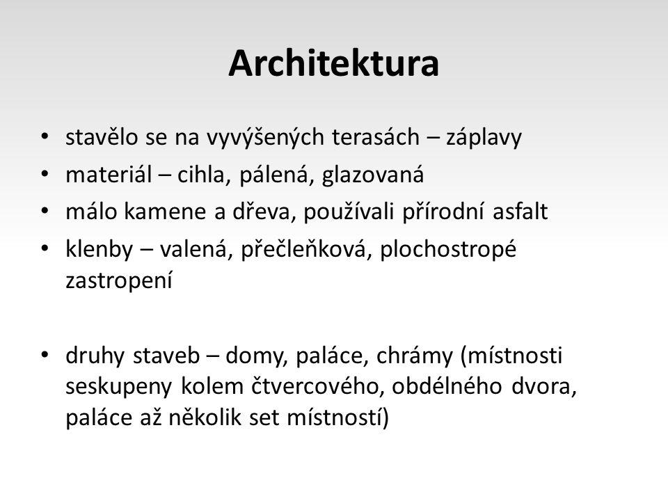 Architektura stavělo se na vyvýšených terasách – záplavy