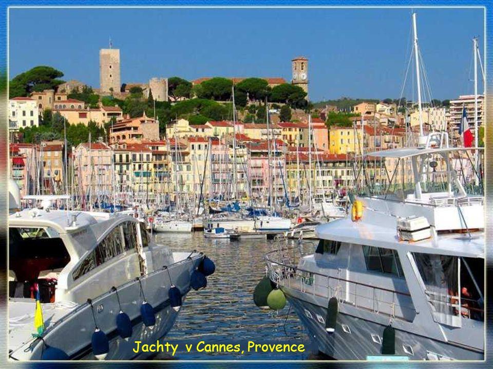 Jachty v Cannes, Provence
