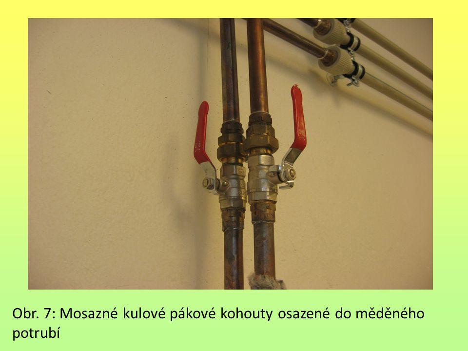 Obr. 7: Mosazné kulové pákové kohouty osazené do měděného potrubí