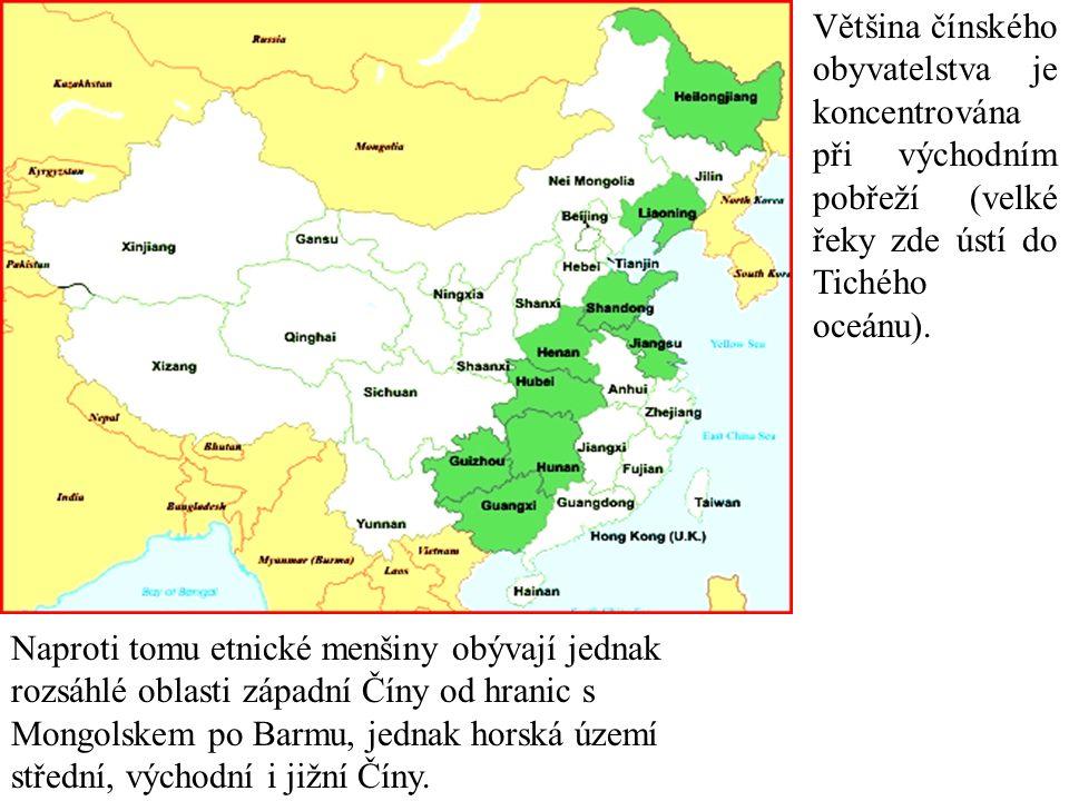 Většina čínského obyvatelstva je koncentrována při východním pobřeží (velké řeky zde ústí do Tichého oceánu).